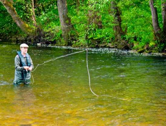 wading-derbyshire-fly-fishing-lesson